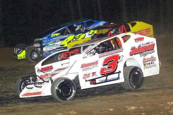 Marc Johnson #3J, Floyd Billington #14 & Keith Flach #43 battle it out on August 5, 2016